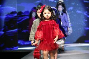 Mãn nhãn màn trình diễn của 50 mẫu nhí trong GALA ELLIE Vu Fashion Show