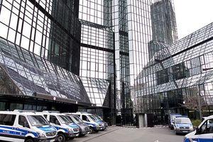 Trụ sở Deutsche Bank bị lục soát vì cáo buộc rửa tiền
