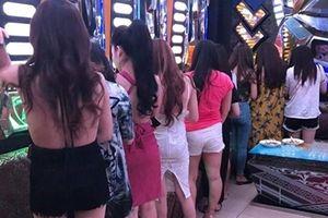 Quán karaoke dùng 'đặc sản chân dài' tiếp khách nước ngoài