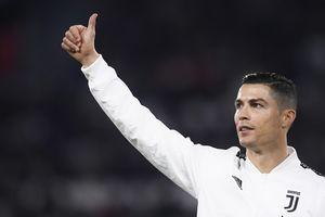 Ronaldo ghi bàn cân bằng kỷ lục tồn tại 60 năm của Juventus