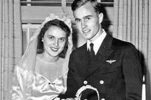 Chuyện tình 73 năm như tiểu thuyết của cố tổng thống Bush 'cha' và vợ