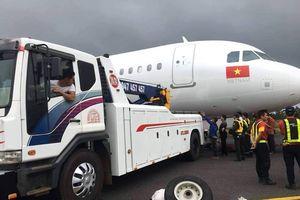 Thu bằng lái 2 phi công VietJet sau sự cố máy bay văng bánh
