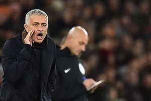 Hòa bạc nhược Southampton, Man United xa dần top 4