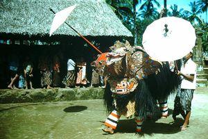 Khám phá hòn đảo thiên đường Bali năm 1952