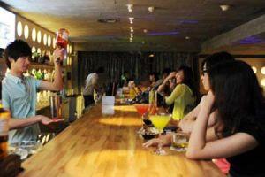 Biến chuồng lợn thành quán bar, tháng đút túi 200 triệu