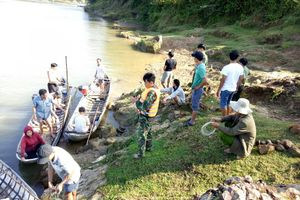 Quảng Ngãi: Tìm thấy thi thể một trong hai em nhỏ nghi đuối nước cạnh bờ sông