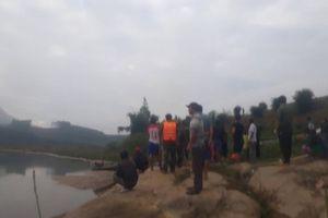 Quảng Ngãi: Tìm kiếm thi thể 2 em nhỏ đuối nước cạnh bờ sông
