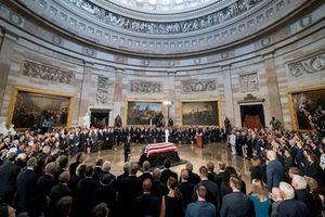 Cựu Tổng thống Mỹ Bush 'cha' được tri ân tại 'trái tim' nước Mỹ