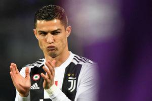 Ronaldo tỏa sáng, Juventus tiếp tục làm 'độc cô cầu bại' ở Serie A