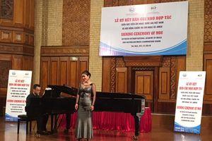 Học viện Âm nhạc Quốc gia Việt Nam và Hội đồng chấm thi âm nhạc Quốc gia Australia ký biên bản ghi nhớ