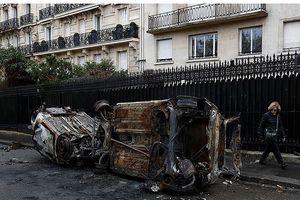 Bạo loạn ở Paris, Pháp họp nội các khẩn cấp