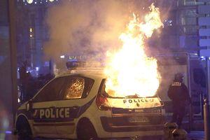 Paris lại một đêm không ngủ, 412 người bị bắt, quân đội chuẩn bị triển khai