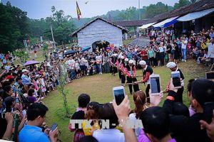 Nửa triệu du khách đến với 'ngôi nhà chung' của 54 dân tộc Việt Nam