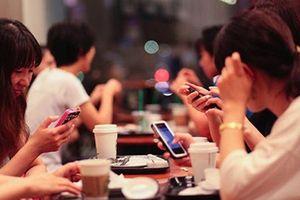 Ngày nào cũng lướt Facebook like – comment: Vì sao dễ cô đơn, trầm cảm?