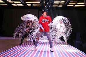 ST Sơn Thạch cùng dàn mẫu diễn 'cực sung' trong buổi tổng duyệt chương trình thời trang