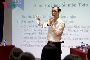 Tuyển sinh lớp 10 ở Hà Nội: Thầy cô 'mách' cách học dễ như chơi game