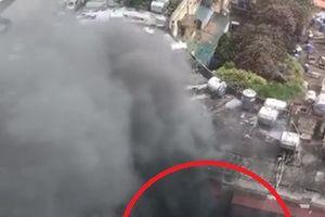Cháy lớn tại khu tập thể Tôn Thất Tùng - Hà Nội