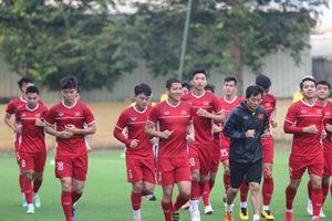 Clip, ảnh: Đội tuyển Việt Nam tập luyện trước trận gặp Philippines