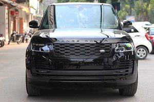 SUV hạng sang Range Rover HSE mới giá 9 tỷ ở Hà Nội