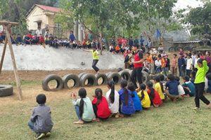 Xây dựng môi trường tiếng Việt cho HS DTTS: Vượt qua rào cản