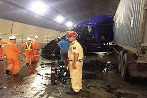Tai nạn giao thông trong hầm Hải Vân, ách tắc xe nhiều giờ