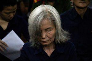 Những khoảng lặng rơi nước mắt trong phiên tòa xử vụ Ngân hàng Đông Á