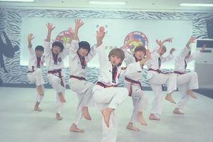 Dàn võ sinh Taekwondo cover BBoom BBoom hút gần 2 triệu lượt xem