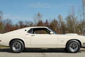 Ford Mustang cổ sắp được đem bán đấu giá đẹp cỡ nào?