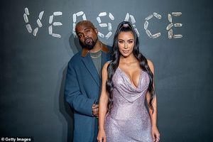 Kim Kardashian phô diễn đường cong nóng bỏng với đầm gợi cảm