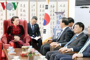 Chủ tịch Quốc hội tiếp Tổng Lãnh sự danh dự Park Soo Kwan