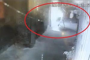 Truy tìm 3 kẻ bịt mặt ném bom xăng vào nhà giám đốc doanh nghiệp ở Thanh Hóa