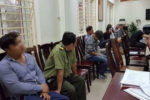 Nhân viên bảo vệ thuộc Liên đoàn bóng đá Việt Nam 'cò' bán vé mời 4,5 triệu