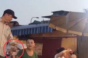Hà Nội: Khởi tố, bắt tạm giam 3 đối tượng trong vụ 'bảo kê' ở chợ Long Biên