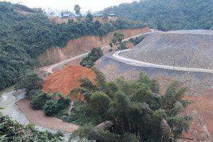 Cao Bằng: DN làm công trình ngang nhiên đổ đất xuống sông, đe dọa an toàn QL3