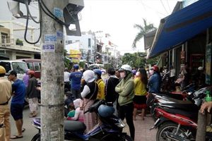 Nha Trang: Công an phong tỏa quán karaoke, thu giữ... hàng chục xe máy