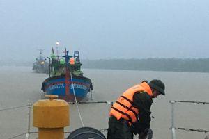 Những người lính đồng hành với ngư dân trên biển