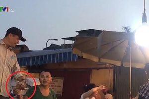 Bắt tạm giam 3 đối tượng vụ 'bảo kê' chợ Long Biên