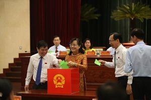 TP.Hồ Chí MInh: Lấy phiếu tín nhiệm đối với 30 người giữ chức vụ do HĐND bầu