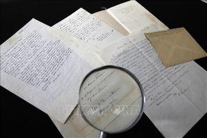 Di vật của Einstein lập kỷ lục mới trên sàn đấu giá