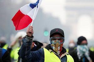 Phe 'Áo vàng' tiếp tục phản đối Chính phủ Pháp, đòi 'bánh mì chứ không phải mẩu vụn'