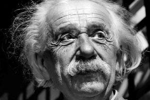 'Bức thư về Chúa' của Einstein được bán với giá 2,89 triệu USD