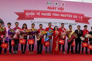 Ngày hội 'Sắc hồng nhân ái' hưởng ứng ngày Quốc tế tình nguyện