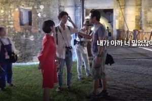 Song Hye Kyo đẹp nao lòng, Park Bo Gum chứng tỏ độ nổi tiếng trong clip hậu trường ở Cuba