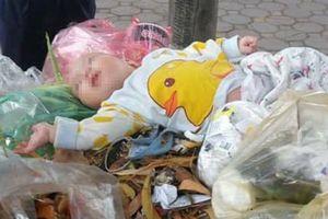 Phát hiện bé trai khoảng 5 tháng tuổi bị bỏ rơi trong thùng gom rác
