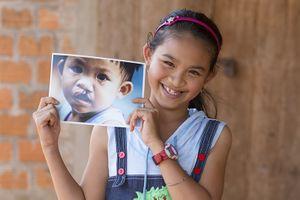 Đấu giá tác phẩm hội họa Vespa Primavera gây quỹ từ thiện 'Thắp sáng nụ cười'