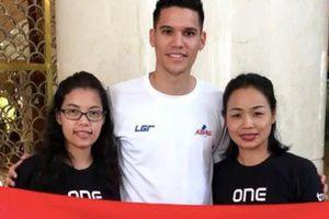 Đây liệu có phải cách 'lấy may' đầy bất ngờ của thủ thành Phillipines trước trận quyết đấu với tuyển Việt Nam?