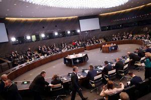 Xung quanh Hiệp ước hạt nhân tầm trung (INF): Mỹ cáo buộc - Nga phản ứng