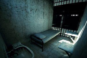 Bắt 2 người đào chân tường trốn khỏi trại tạm giam