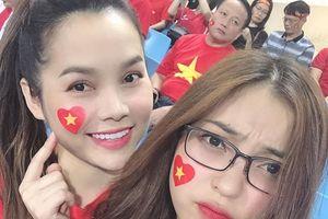 Bạn gái Quang Hải, Tiến Linh hồi hộp xem trận bán kết ở sân Mỹ Đình