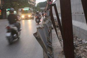 Rào chắn công trình đường Kim Mã: 'Lưỡi hái tử thần' rình rập người tham gia giao thông?